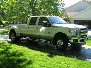 2012 Ford F-350 Lariat SD Dually Loaded Pickup Truck