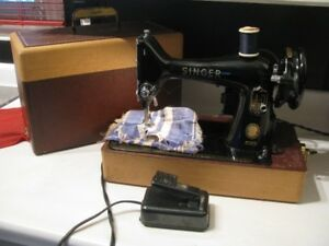 SINGER SEWING MACHINE 99K  WORKS GREAT