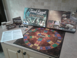 Trivial pursuit dvd Lord of the rings trilogy edition. Complete!