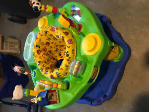 Very clean and new exersaucer for kids!