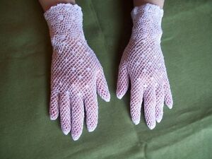 WHITE LACE  COTTON GLOVES  ONE SIZE