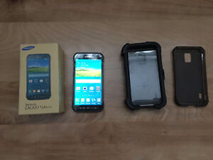 Samsung S5 in mint condition London Ontario image 1