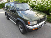 1998 Nissan Pathfinder Chilkoot Trail SUV, Crossover