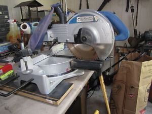 Mitre Saw ans Stand Windsor Region Ontario image 1
