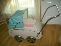 Carrosse de bebe antique