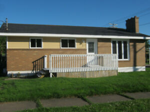 4 BDRM House/Close to UdeM/$980.00mth MAY 1