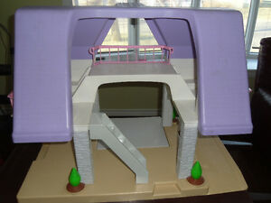 Little Tikes Doll House with furniture