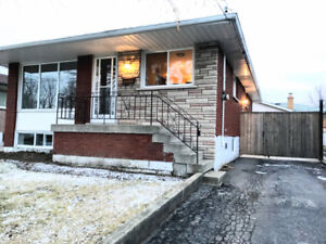 Stunning main flr unit in the incredible Rosedale area!