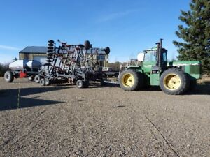 8450 JD Tractor and Flexicoil 5000 Air Drill