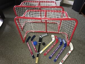 2 Mini Hockey Nets + mini sticks