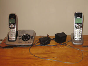 cordless phone set (2) plus answering device (voice mail)
