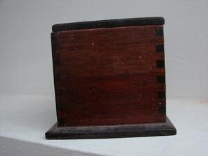 vintage 1920's Wooden DOVETAIL storage box Belleville Belleville Area image 5