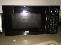 Microwave in Great condition for sale!