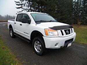 2009 Nissan Titan Pro4-X Pickup Truck