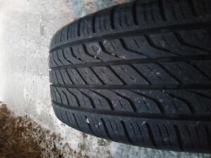 4 pneu d été toyo extenza a/s 195/65/r15 89t très bonne conditio