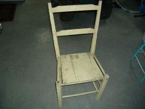 chaise antique 20$