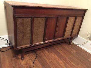 Vintage Hi-Fi Stereo