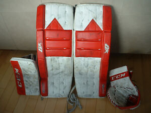 "32""+2"" Goalie pads + glove & blocker"