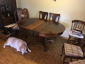 Solid Wood Dining Table (2 leaves incl.) & 5 Dining Chairs
