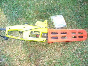 """16"""" Electric Poulan Chain Saw with extra chain"""