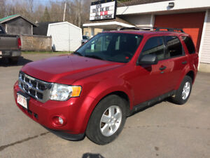 2011 FORD ESCAPE, ALL WHEEL DRIVE, CALL 832-9000/639-5000