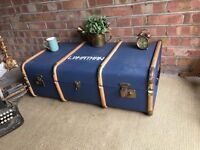 LOVELY VINTAGE TRUNK CHEST FREE DELIVERY COFFEE TABLE STORAGE BOX