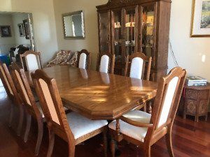 Classic Oak Dining Table And Hutch