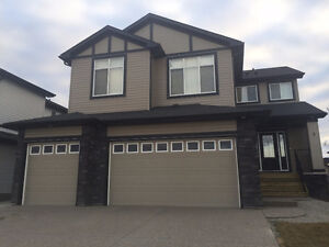 Executive New Home, 4 Bed/3.5 bath Close To The Lake