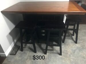 Dinette/ Kitchen pub style table with 5 stool