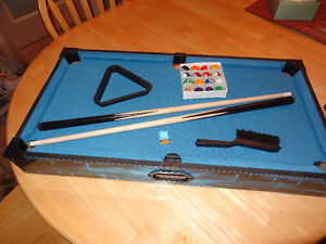 "Miniature Pool Table (27"")"