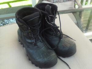 Men's winter boots, size 10