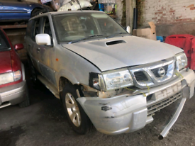 Breaking spares parts nissan x trail bumper door mirror wing bonnet m