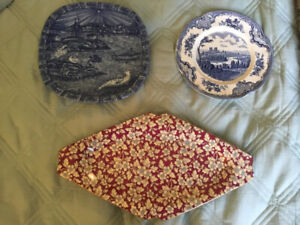 Vintage plates - great condition
