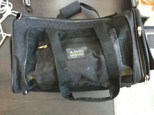 Delta Medium Pet Airline Bag / Carrier in Black $20