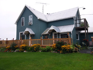 Hobby Farm with Great Comutting Location
