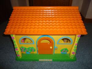 Dora Explorer Doll House