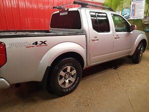 2011 Nissan Frontier PRO-4X Pickup Truck