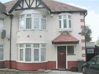4 bedroom house in Lyndhurst Gardens, FINCHLEY, N31
