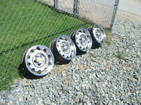 "Mopar Rallye Vintage 14"" Wheels BP 5X4.5"