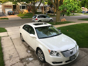Excellent deal! 2009 Toyota Avalon for sale