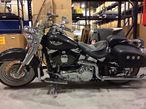 *SHOWROOM CONDITION* Custom 2005 H-D Softail Deluxe. Very Low KM