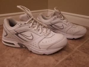 Womens Nike Air Size 9