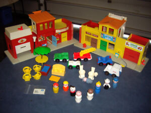 FISHER PRICE VILLAGE