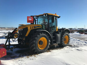 **CLEAR OUT PRICE** NEW JCB 4220 FASTRAC