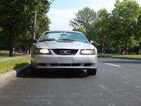 2001 Ford Mustang Convertible(Efficient mustang) PRICE negociabl