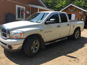 Dodge Ram  2006 1500 SLT 4X4**6 PLACES très  propre