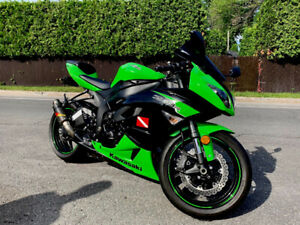 Ninja zx6r 2012 , only 5000 km $7,500 with jacket