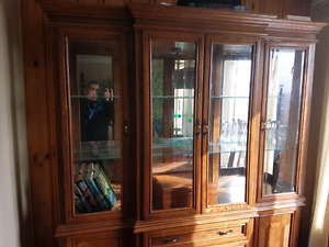 Beautiful oak China cabinet for sale $250.00