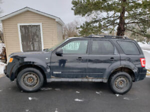 2008 Ford Escape needs some work so please read