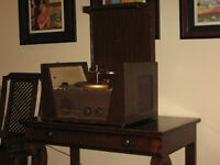 Vintage Fleetwood Record Player Phonograph
